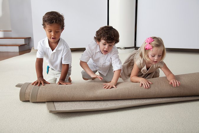 Pure wool carpets without chemicals for chemically sensitive, allergic or asthmatic people